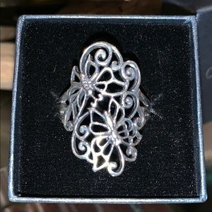 Jewelry - ‼️BUTTERFLY RING SIZE 8 IN SILVER